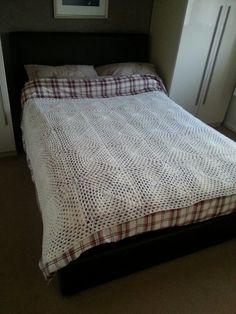 Cream chrochet blanket