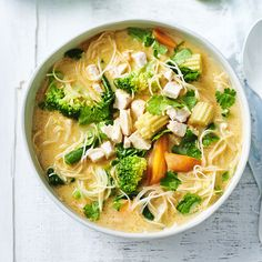 Thai chicken and coconut soup | Healthy Recipe | Weight Watchers AU