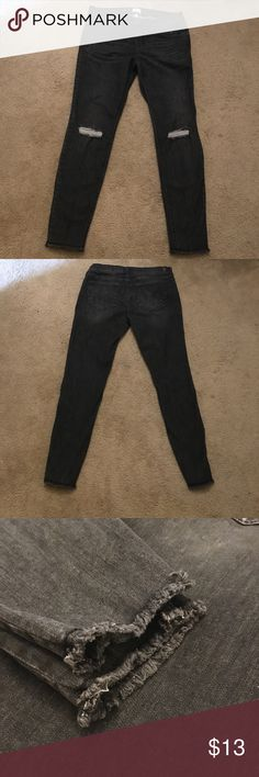Sneak Peek Black Low Rise Distressed Jeans Sneak Peek Black Low Rise Distressed Jeans in size 9. Excellent condition! ⭐️ Sneak Peek Jeans Skinny