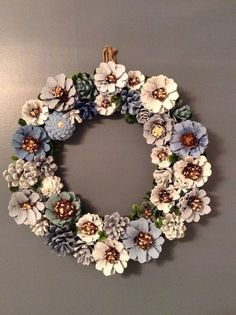 Pine cone decorations silver and gold wreath decorating pine cones for christmas martha stewart . Christmas Crafts For Kids, Fall Crafts, Holiday Crafts, Home Crafts, Crafts To Make, Christmas Wreaths, Arts And Crafts, Christmas Decorations, Diy Crafts