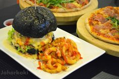 Closed: Charcoal Burgers at Johor Bahru City Square Mall Pizza Box