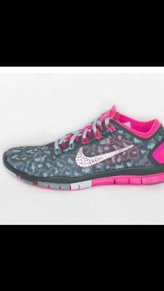 Women s Nike Free TR Connect 2 in Metallic Silver-Hyper Pink with 5 sizes  of Crystal Clear Swarovski crystal detail c035d7662e70