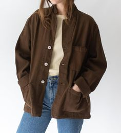 Brown Jacket Outfit, Brown Corduroy Jacket, Windbreaker Outfit, Cool Outfits, Casual Outfits, Workwear Fashion, Oversized Jacket, Aesthetic Clothes, Poses