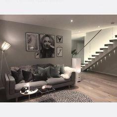 海外インテリアがお手本☆センス溢れるソファのコーディネートをご紹介します | folk Living Room Interior, House Plans, Loft, House Design, Couch, Flooring, Interior Design, Bedroom, Furniture