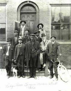 Prince Hall Masons on Mercer Street in the - Photo courtesy of Jim Allen Masonic Art, Masonic Lodge, Masonic Symbols, Ancient Symbols, Masonic Order, Prince Hall Mason, Black Fraternities, Mercer Street, 1920s Photos