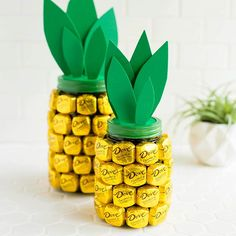 Looking for a fun #MothersDay gift idea? We worked with our friends @DoveChocolate to create this quick and easy tutorial for making a CHOCOLATE pineapple. We used the Caramel and Milk Chocolate PROMISES to surround a mason jar. Super fun, super easy, and super delicious! Check out the slides for a quick little how-to. #DovePromises #ABMlifeissweet #sponsored #Regram via @abeautifulmess