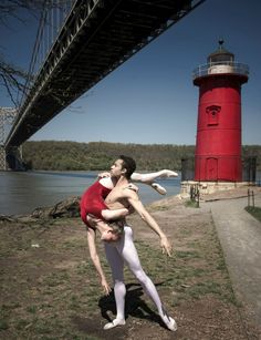 Little Red Lighthouse dance