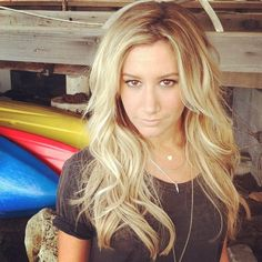 Ashley Tisdale, I think she is prettier with blonde hair but she is pretty either way. Love Hair, Gorgeous Hair, Beautiful, Ashley Tisdale Hair, Ashley Tisdale Instagram, Hair Dos, Balayage Hair, Pretty Hairstyles, New Hair