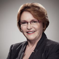 Helen Zille Tribute as DA Leader Announces she is Stepping Down - SAPeople - Your Worldwide South African Community Democratic Alliance, South African News, Memoir Writing, Penguin Random House, Elizabeth Taylor, Memoirs, Penguins, Politics, People