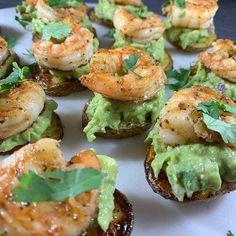 Shrimp Pesto Potatoes, Sliced Potatoes, Potato Bites, Potato Skins, Warm Appetizers, How To Cut Avocado, Old Bay Seasoning, Yukon Gold Potatoes, How To Cook Shrimp