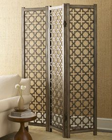 Lattice pattern. I've seen it a lot lately on pillows and shower curtains. Works perfectly on a screen.