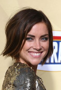 Wishing this would look 1/4 as cute on me. Jessica Stroup brunette bob