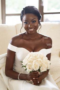 2eeb16392e0 Follow us   SIGNATURE BRIDE on Instagram and Twitter and on Facebook    SIGNATURE BRIDE MAGAZINE