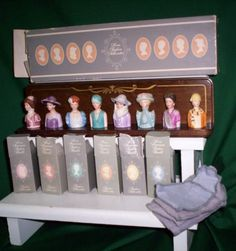 AVON'S AMERICAN VICTORIAN 1982 THIMBLE COLLECTION