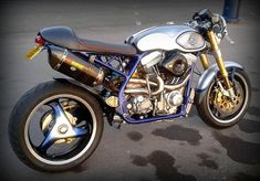 Harley Davidson Cafe Racer by Sutton and Marsden Cafe Racers #motorcycles #caferacer #motos | caferacerpasion.com