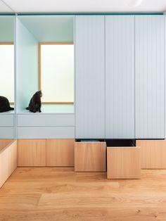 Casa Gal·la by CAVAA Arquitectes. Photograph by Filippo Poli Built In Furniture, Space Saving Furniture, Furniture Design, Patio Interior, Room Interior, Multifunctional Furniture, Terrazzo Flooring, Built In Bench, Built In Wardrobe