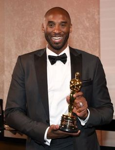 Kobe Bryant Photos - Kobe Bryant attends the Annual Academy Awards Governors Ball at Hollywood & Highland Center on March 2018 in Hollywood, California. Bryant Lakers, Kobe Bryant 24, Dear Basketball, Basketball Players, All Nba Teams, In Hollywood, Hollywood California, Joe Budden, Kobe Bryant Pictures