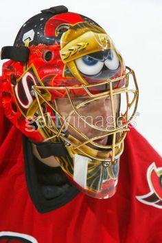 Marvin the Martian Hockey Goalie, Ice Hockey, Nhl, Goalie Mask, Marvin The Martian, Hockey Stuff, Masks Art, Mask Design, Ottawa