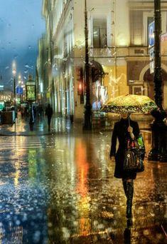 looking forward to a rainy day (I'm in drought stricken California) Walking In The Rain, Singing In The Rain, Rain Photography, Street Photography, White Photography, Photographie New York, City Rain, I Love Rain, Umbrella Art