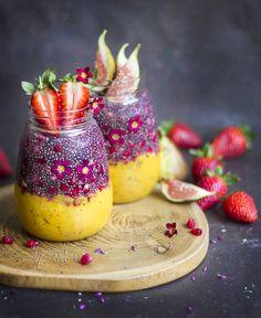 "2,856 aprecieri, 85 comentarii - Paulina Nienartowicz (@artrawpaulina) pe Instagram: ""Today is my home 'dehydrating day'. I am drying sprouted buckwheat, banana snacks, beetroot…"""