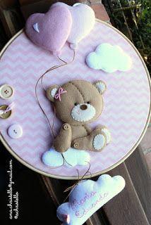 Christmas Ornament Wreath, Felt Christmas, Felt Crafts Diy, Baby Crafts, Moldes Para Baby Shower, Paper Flower Patterns, Baby Shower Clipart, Felt Pictures, Felt Baby
