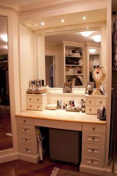 Modern Bathroom Makeup Vanity Set