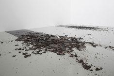 Kilian Rüthemann, Untitled, burnt sugar, 200 x 450 cm, 2008