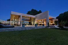 Elsinore, CA, residence by Mark Singer Architects. Photographer J. Koegel.