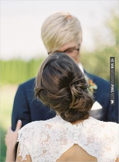 romantic and loose wedding hair | VIA #WEDDINGPINS.NET