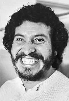 Please remember victor jara Victor Jara, Ray Charles, Mad Men, American Artists, Revolutionaries, Most Beautiful Pictures, Rock And Roll, The Beatles, Che Guevara