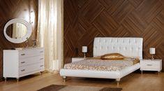 ΠΑΤΗΣΤΕ ΣΤΗΝ ΕΙΚΟΝΑ ΓΙΑ ΝΑ ΔΕΙΤΕ ΤΗΝ ΤΙΜΗ ΤΗΣ ΚΡΕΒΑΤΟΚΑΜΑΡΑΣ.  Ένα ιδιαίτερο κρεβάτι σε που θα δώσει χαρακτήρα στην  κρεβατοκάμαρα σας.Το λευκό χρώμα στα έπιπλα κεντρίζει το ενδιαφέρον και δημιουργεί καλαίσθητους χώρους και μοντέρνους.Επενδυμένο με λευκή δέρματίνη-τεχνόδερμα υψηλής ποιότητας για ένα ακόμη πιο εντυπωσιακό αποτέλεσμα.Παράγεται σε καρυδιά και δρυς.
