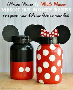 DIY Disney Crafts for a Disney Vacation 30 DIY Disney Crafts for a Disney DIY Disney Crafts for a Disney Vacation Disney Diy, Diy Disney Gifts, Disney Mickey, Theme Mickey, Mickey Party, Ball Mason Jars, Mason Jar Gifts, Mason Jar Bank, Jar Crafts