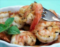 Many Cajun shrimp dishes have loads of butter. This is a very tasty version that is much lower in fat. You won't miss it. Serve with French bread and a salad. Fabulous dinner on the table in less than 15 minutes. Best Shrimp Recipes, Cajun Recipes, Fish Recipes, Seafood Recipes, Dinner Recipes, Cooking Recipes, Healthy Recipes, Creole Recipes, Recipies