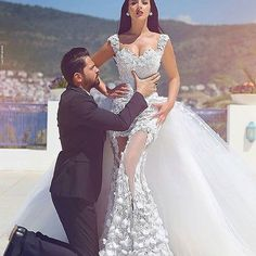 👰🏻💍🤵🏻💕 #vestido #vestidos #vestidodenoiva #vestidodenovia #vestidodecasamento #noiva #noiva #casamento #noivo #vestidodeluxo #vestidobranco #vestidosereia #dress #dresses #luxurydress #wedding #weddingdress #whitedress #bride #brides #bridedress #bridesmaids #bridesmaid
