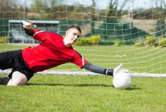 When you participate in soccer training, you will find that you are introduced to many different types of methods of play. One of the most important aspects of your soccer training regime is learning the basics of kicking the soccer b Soccer Goalie, Soccer Drills, Soccer Coaching, Youth Soccer, Soccer Tips, Play Soccer, Soccer Stuff, Football Training Drills, Goalkeeper Training