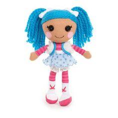 Deze Lalaloopsy Party Pop heet Mittens Fluff 'N' Stuff en zij is dol op alles wat koud is. Vandaar ook dat ze mooie blauwe haren heeft. Haar jurkje is gemaakt van een echte Eskimo sjaal.