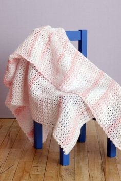 Pink V-Stitch Baby Throw - I might make this for my church's Mother's Day Baby Shower for charity. =)