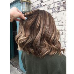 30 Gorgeous hairstyles and fabulous hair color brown hair balayage chocolate hair color caramel hair color blonde hair color Balayage Brunette To Blonde, Brunette Highlights, Brown Hair Balayage, Brown Hair With Highlights, Hair Color Balayage, Brown Hair Colors, Blonde Hair, Ombre Balayage, Color Highlights