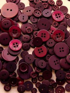 Button Mix Maroon