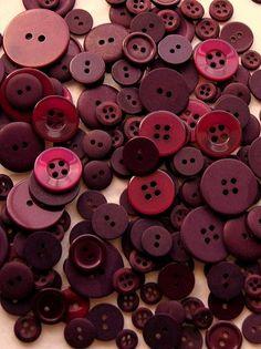 Button Mix Maroon
