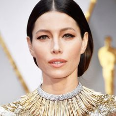@jessicabiel is a golden goddess at the #Oscars. (: @gettyimages) #academyawards #jessicabiel  via GLAMOUR MAGAZINE OFFICIAL INSTAGRAM - Celebrity  Fashion  Haute Couture  Advertising  Culture  Beauty  Editorial Photography  Magazine Covers  Supermodels  Runway Models
