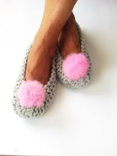 afc90775a36 FURRY GRAY Chunky Slippers