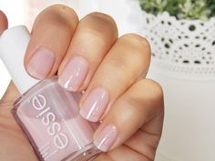 Essie Mademoiselle fave new fingernail color Nail Art Vernis, Essie Nail Polish, Nail Polish Colors, Essie Colors, Neutral Nails, Nude Nails, Pink Nails, Hair And Nails, My Nails