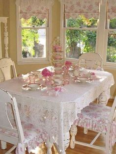 Beautiful Shabby Chic Dining Room Decoration Ideas Romantic pink and white shabby chic dining area beside windows. Clear, brignt and cozy.Romantic pink and white shabby chic dining area beside windows. Clear, brignt and cozy. Blanc Shabby Chic, Shabby Chic Mode, Estilo Shabby Chic, Shabby Chic Interiors, Shabby Chic Pink, Shabby Chic Bedrooms, Shabby Chic Style, Shabby Chic Decor, Modern Bedroom