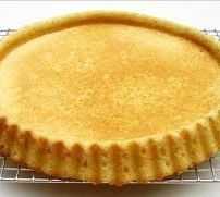 Typically baked in a special round form that bakes a rim for easier filling, but any round 11 inch form will do. Dutch Recipes, Sweet Recipes, Baking Recipes, Cake Recipes, Dessert Recipes, Fruit Flan Recipe, Flan Cake, German Baking, German Cake