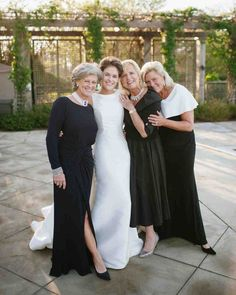Wedding Pics A Bride with Her Family.mother and aunts who all had a part in helping with the wedding - Grab your tissues! These adorable photos of brides and moms are sure to make you tear up. Wedding Group Photos, Wedding Pics, Wedding Styles, Wedding Dresses, Family Wedding Pictures, Wedding Bride, Wedding Flowers, Mother Pictures, Bride Pictures