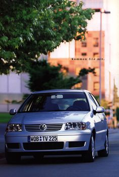 https://flic.kr/p/GMPS9E | Volkswagen Polo; 2000_2 | auto car brochure | by worldtravellib World Travel library