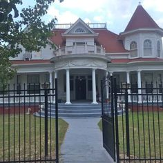 ... Houses on Pinterest Victorian houses, Queen anne and Victorian