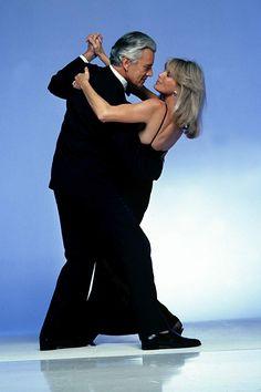 Dynasty Photo: Dynasty-John Forsythe and Linda Evans Linda Evans Dynasty, Dynasty Tv Show, John Forsythe, Der Denver Clan, Hollywood Story, Classic Hollywood, Everybody Dance Now, Diahann Carroll, We Go Together