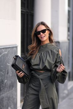 caqui total look looks - Lady Addict Celine, Jimmy Choo, Top To Toe, Skirt Pants, Summer Outfits, Summer Clothes, Dress Collection, Fashion Beauty, Kimono